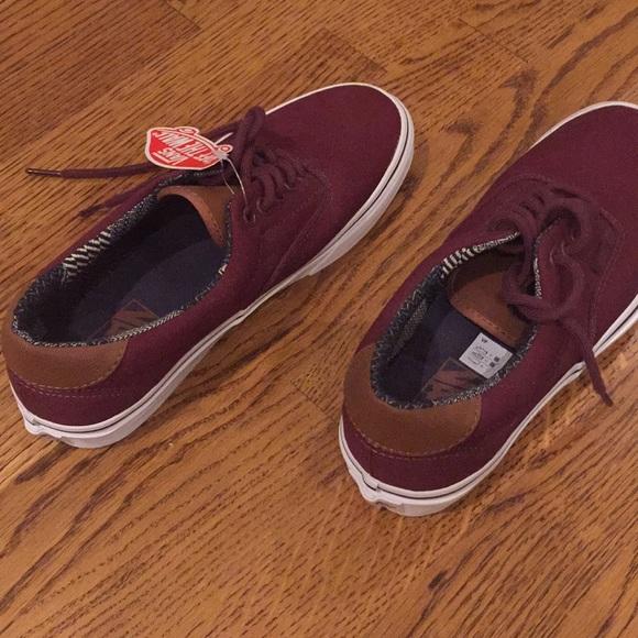 560195b6847ae9 NWT Vans burgundy canvas shoes — M 7   W 8.5